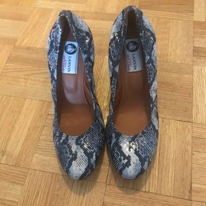 Brand new Lanvin wedges size 39.5